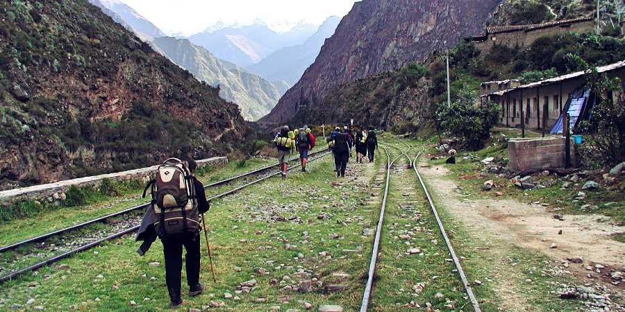 Beginning the Inca Trail to Machu Picchu
