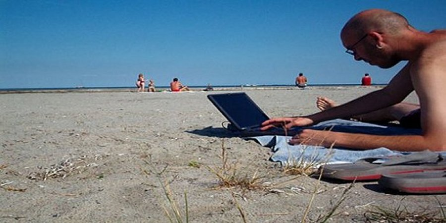 Freelancing Abroad: Don't Let These 4 Common Concerns Stop You From Fulfilling Your Dream